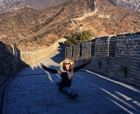 katy-perry-great-wall-of-china-instagram-1389630586-view-0