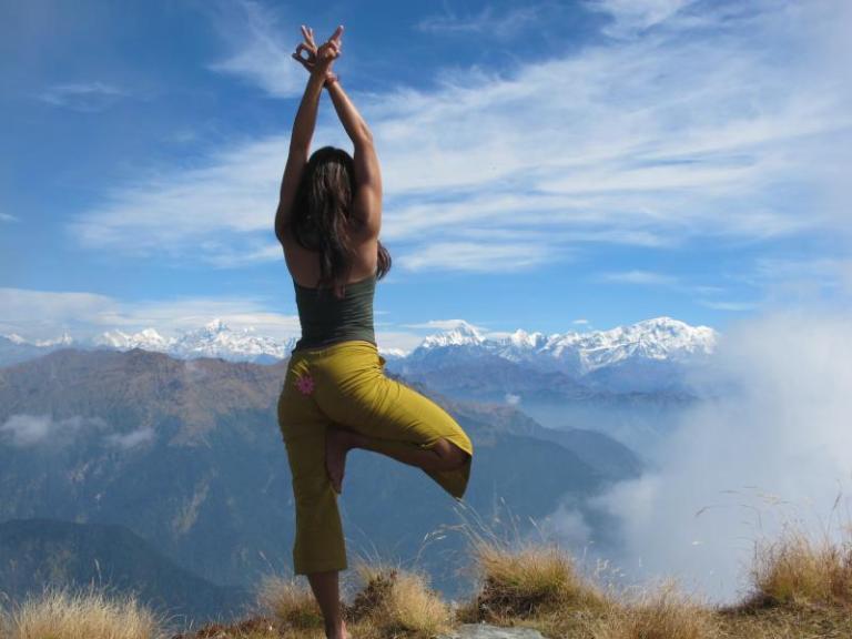 trekking-to-the-source-himalayan-yoga-adventure