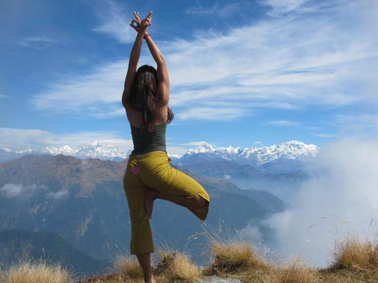 trekking-to-the-source-himalayan-yoga-adventure